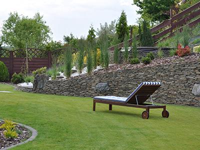 nowoczensny-ogrod-z-kamienia